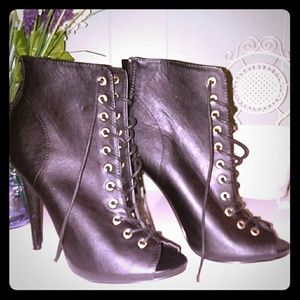 NWOT Black Lace-up Peep Toe Ankle Booties